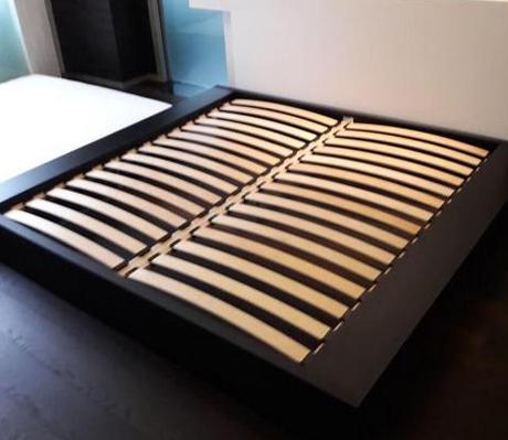 после ремонта кровати (новые ламели)